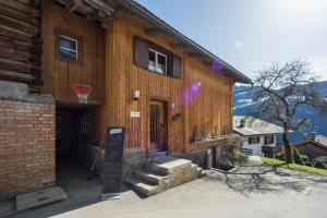 Accommodation in Fanas