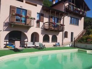Luci dal Lago - AbcAlberghi.com