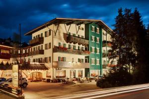 Dolomites Wellness Hotel Savoy - La Villa