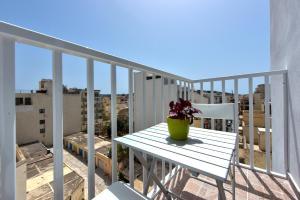 Off-the Beach St Paul's Apartment, Apartmanok  San Pawl il-Baħar - big - 21