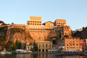 Surriento Suites - AbcAlberghi.com