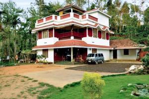 Auberges de jeunesse - 4-BR homestay in Padivayal, Wayanad, by GuestHouser 24775