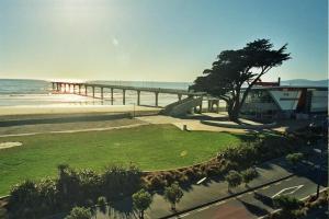 obrázek - Beachfront Views