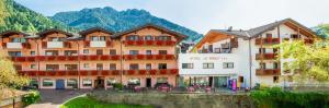 Family Hotel La Perla - AbcAlberghi.com