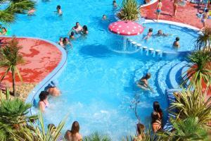 Location gîte, chambres d'hotes Lagrange Grand Bleu Vacances – Résidence Les Pescalunes dans le département Hérault 34