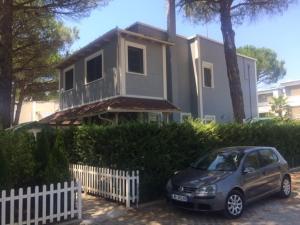 Cozy Beach House Gjiri Lalzit, Ferienhäuser  Fushë-Draç - big - 2