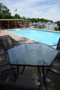Sunnylea Resort - Midland