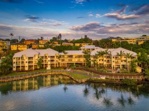 Sunrise Cove Holiday Apartments