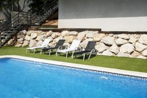 Holiday home Carrer del Puig de Bassegoda, Holiday homes  Calafell - big - 36
