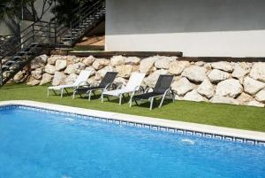 Holiday home Carrer del Puig de Bassegoda, Holiday homes  Calafell - big - 39