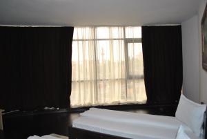 Hotel Taverna Pecicana, Hotely  Pecica - big - 26
