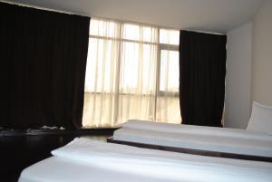 Hotel Taverna Pecicana, Hotely  Pecica - big - 3