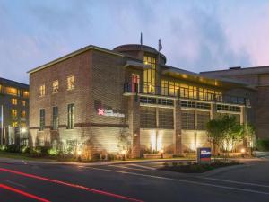 Hilton Garden Inn Charleston Waterfront-Downtown