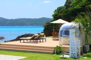 Holly Camp Airstream Villa Amami - Amami