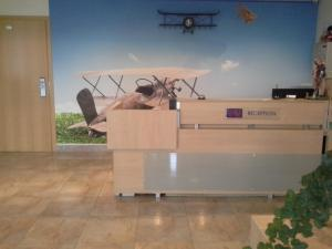 Sky High Hotel Airport - Maziyeshi