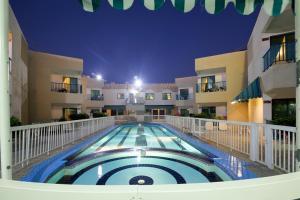 Summerland Motel - Khān