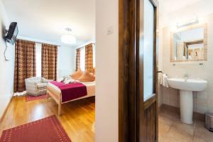Villa Ermitage - Hotel - Busteni
