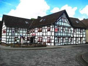 Hotel im Fachwerkhof - Dedenborn