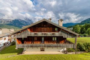 Chalet Ca Lacedel - Stayincortina - AbcAlberghi.com