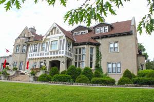 Grey Gables Inn - Fort Coulonge