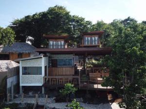. Tevana House Reef