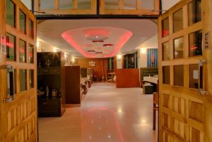 Hotel Le Primula, Отели  Гангток - big - 20