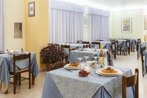Hotel Bellavista, Szállodák  Maierà - big - 42