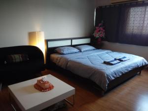 Renovate Room Near Impact, Apartmanok  Banbangphang - big - 40