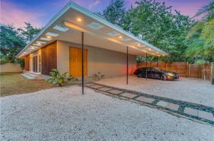 Coolest House in the Village by Beachside Management, Dovolenkové domy - Siesta Key
