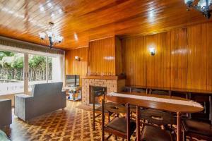 Casa Bem Pertinho do Capivari, Dovolenkové domy  Campos do Jordão - big - 3