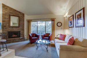 Mt Bachelor Village Ski House # 219, Dovolenkové domy  Bend - big - 2