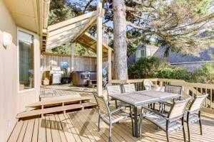 Haystack Views Vacation Rental, Holiday homes  Cannon Beach - big - 4