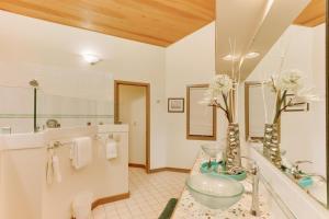 Haystack Views Vacation Rental, Holiday homes  Cannon Beach - big - 13