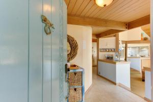 Haystack Views Vacation Rental, Holiday homes  Cannon Beach - big - 42