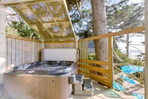 Haystack Views Vacation Rental, Holiday homes  Cannon Beach - big - 45