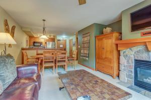 Eagle Springs West 206: Meadowlark Suite