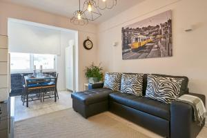 In Bed with Lisbon - Lux4you Apartment, 2720-141 Amadora