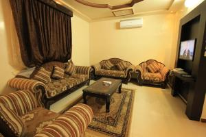 Olaya Suites Furnished Units, Residence  Riyad - big - 19