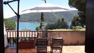 Terrazza Sul Lago Di Iseo Sarnico Italy J2ski