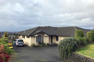 Absolute Great Lakes and Hills View Home, Holiday homes  Rotorua - big - 15