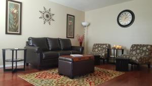 Cozy Condo in Glendale - Shamrock Mobile Home Park