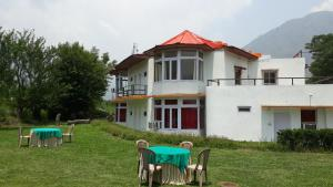 The Tara Villa, Bed and Breakfasts  Shamshi - big - 21