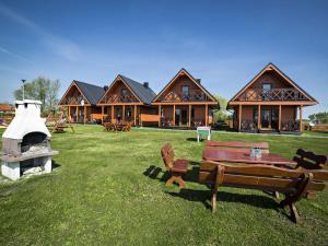 obrázek - Uroczy dom z widok na jezioro tylko 1000 m od morza Idealny dla 9 osób