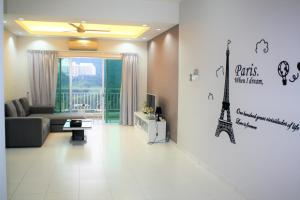 Sky Holiday home, near Spice Arena Penang, Апартаменты  Байан-Лепас - big - 1
