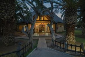 . Tautona Lodge