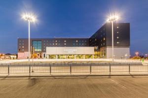Courtyard by Marriott Warsaw Airport - Varsavia