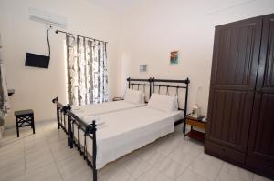 Koukounari 2 Rooms Agistri Greece