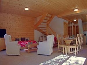 House La piaz 4, Дома для отпуска  Вальморель - big - 6