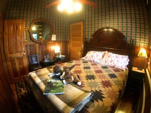 Creekwalk Inn Bed and Breakfast with Cabins - Townsend