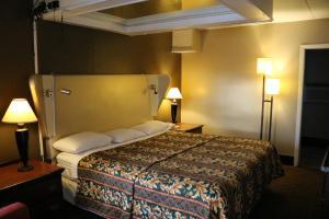 Miami Inn & Suites